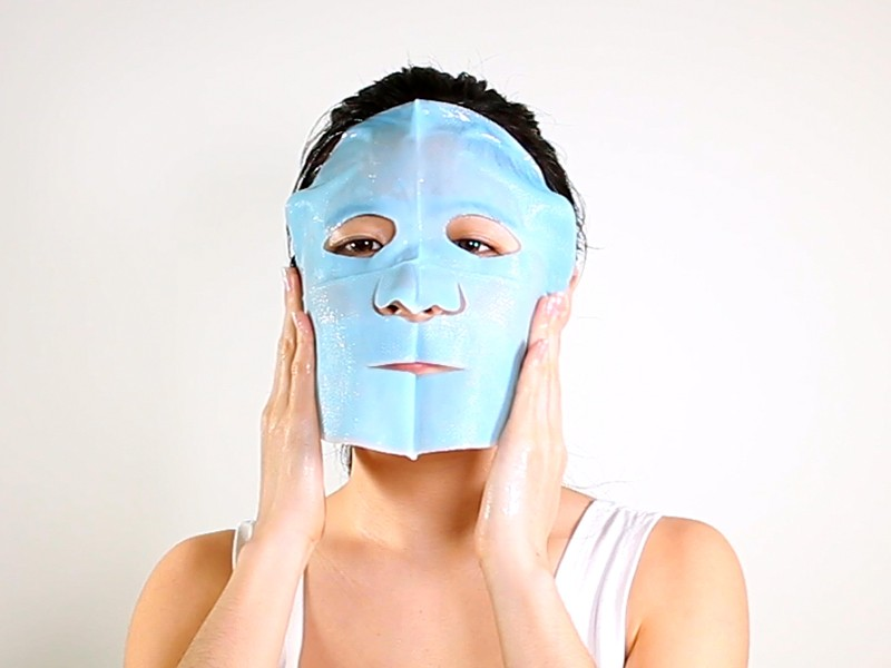 Daytime Energizing Bio-Cellulose Mask method step 3
