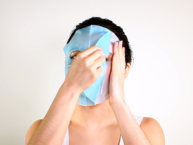 Daytime Energizing Bio-Cellulose Mask method step 4