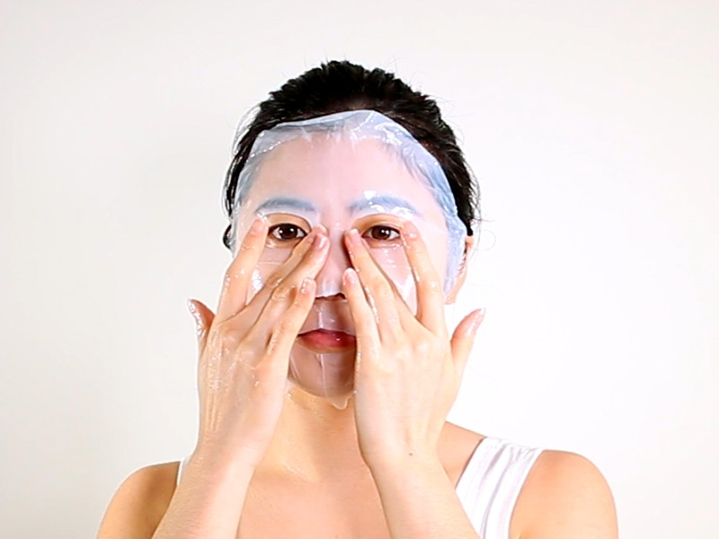 Daytime Energizing Bio-Cellulose Mask method step 5